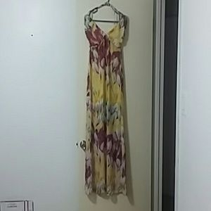 Ali n Kris dress.Sz.small
